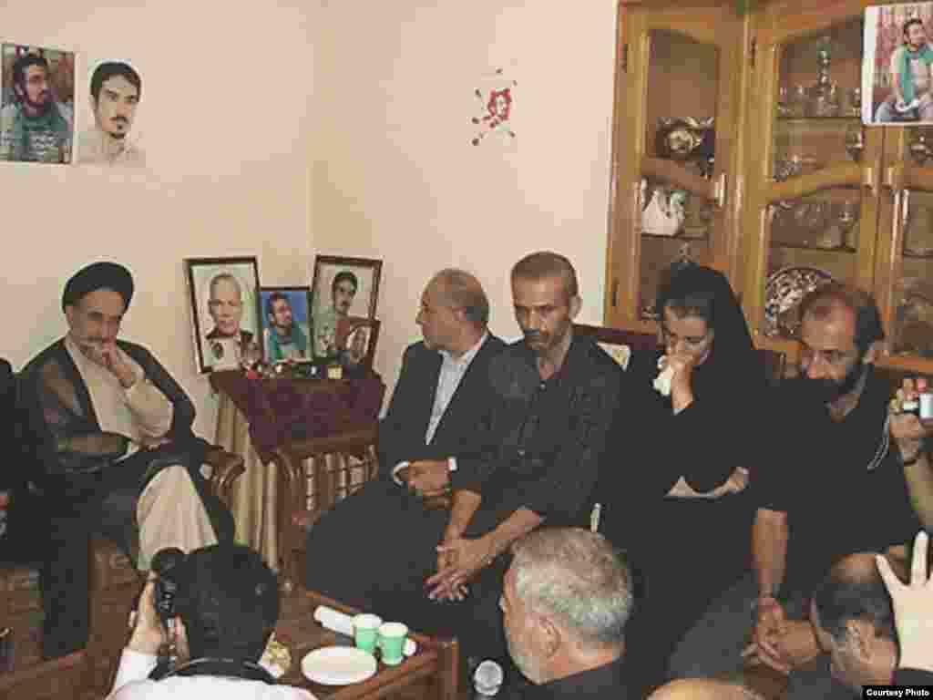 دیدار محمد خاتمی با خانواده اشکان سهرابی