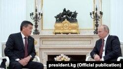 Vladimir Putin la întrevederea de la Kremlin cu Sooronbai Jeenbekov