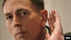 Аргументы генерала Петреуса не убедили оппонентов администрации в том, что стабилизация ситуации в Ираке идет по плану
