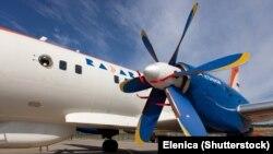 ایلیوشین ۱۱۴ یک هواپیمای دو موتوره توربوپراپ با ظرفیت ۶۵ مسافر است که برای مسیرهای زیر ۷۰۰ کیلومتر طراحی شده است.