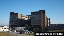 Najviše samoubistava u Univerzitetsko kliničkom centru u Banjaluci (na fotografiji) dogodilo se sa petog sprata gdje je COVID odjeljenje, te bi to moralo da se posebno istraži, upozoravaju u Sindikatu doktora medicine RS