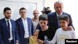 Թուրքիայի նախագահն ընտրատեղամասում, 24-ը հունիսի, 2018թ․