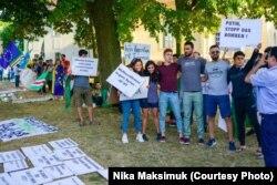 Акция протеста против визита Путина в Берлине