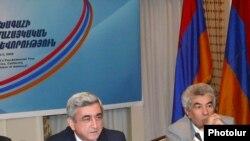 Serzh Sarkisian meets with members of the Armenian diaspora in Los Angeles.
