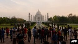 The Taj Mahal receives about 20,000 visitors a day from both India and abroad.