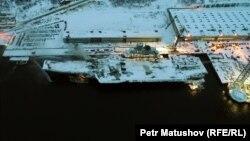 Российский авианесущий крейсер «Адмирал Кузнецов» в Мурманске.