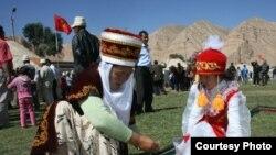 Кыргыздардын салт-санаасын үйрөнүүнү каалагандар арбын.