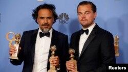 Ալեխանդրո Գոնսալես Ինյարիտուն (ձ) և Լեոնարդո դի Կապրիոն «Ոսկե գլոբուս»-ի մրցանակաբաշխությունից հետո: Լոս Անջելես, 10-ը հունվարի, 2016 թ․