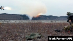 Запуск протитанкових ракет «Джавелін» вересень, 2005