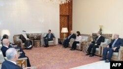 Сурия президенти Башар ал-Ассад октябр охирида Араб лигаси делегацияси билан учрашиб¸ муросавий режага розилик берган эди.