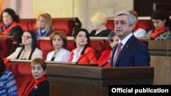 Президент Армении, председатель РПА Серж Саргсян обратился с приветственной речью к участникам, конференции «Армения-25: мир и женщины», организованной по инициативе Женского совета РПА. Ереван, 5 ноября 2016 г.