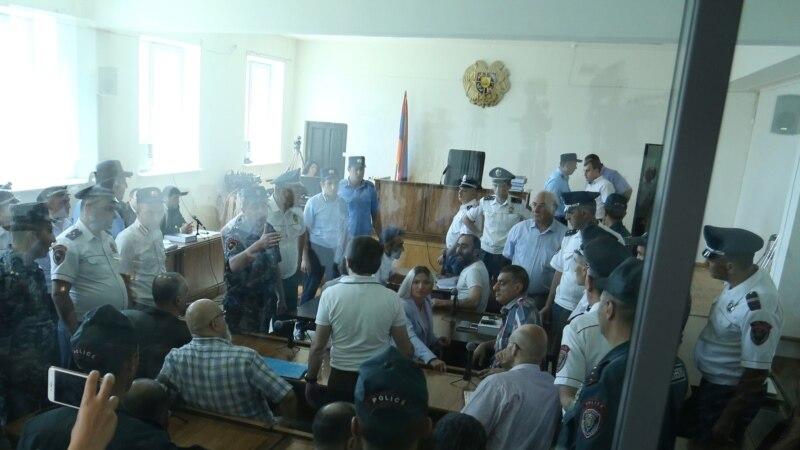 «Սասնա ծռերը» պնդում են, որ դատարանի նկուղում իրենց ծեծի են ենթարկել