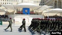 Военный парад в день 93-летия вооруженных сил Азербайджана, Баку, 26 июня 2011