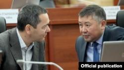 Омурбек Бабанов и Канатбек Исаев.