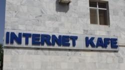 """Aşgabatda häkimiýetler ilat arasynda gürrüňdeşlik geçip, Internetde ýurdy """"garalamazlygy"""" ündeýär"""