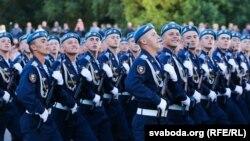 Российские десантники на параде (иллюстративное фото)