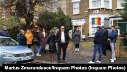 O secție de votare din Londra, turul al doilea al prezidențialelor