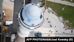 """""""Атлас-5"""" с кораблём """"Старлайнер"""" перед запуском на мысе Канаверал"""