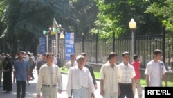 В Молодежную палату войдут представители КПРФ, СПС, «Единой России» и еще около семи партий и десятка разных организаций