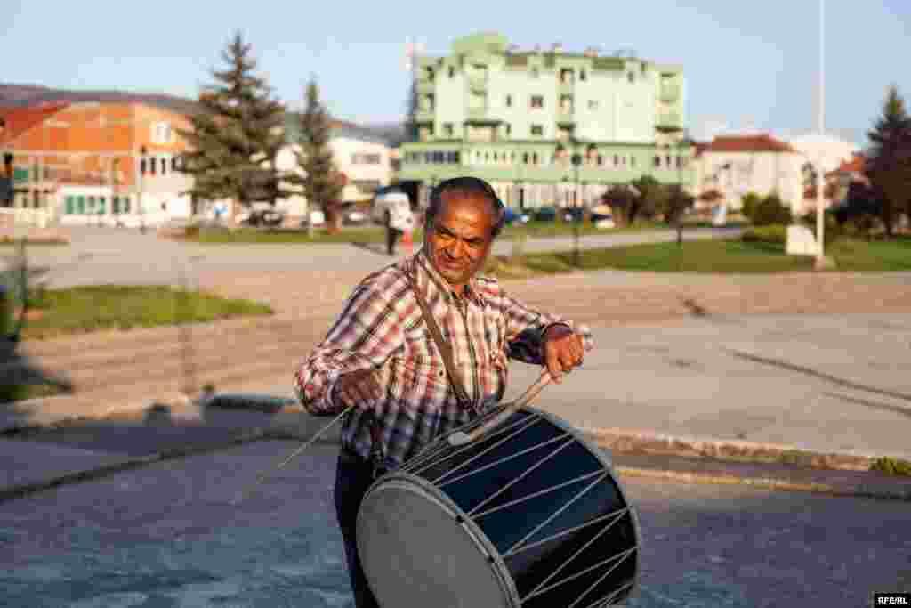 The Drummers Of Macedonia's Semka Band #9