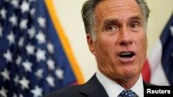U.S. Senator Mitt Romney (file photo)