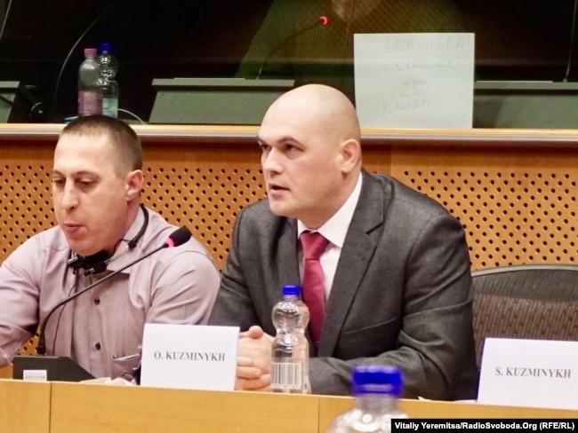 «Кіборг»-десантник Олег Кузьміних під час виступу у Європарламенті розповідає про російську агресію на Донбасі. Лютий 2018 року