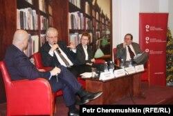 Діалог учасників варшавської конференції