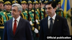 Türkmen prezidenti Ermenistanyň şol wagtky prezidenti Serž Sarkisian bilen. 2014 ý.