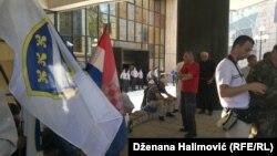 Protest bivših boraca ispred Parlamenta FBiH, Sarajevo