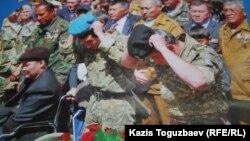 """Лист календаря за 2012 год с изображением ветерана-""""афганца"""" Бауыржана Джасымбекова."""