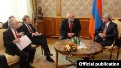 Մինսկի խմբի համանախագահների հանդիպումը Հայաստանի նախագահի հետ, Երևան, 17-ը փետրվարի, 2015թ․
