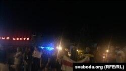 Несколько тысяч человек вышли в Минске вечером 10 августа