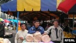 Rusiya -- Erməni çörəkçiləri Nalçik bazarında, 3 mart 2006