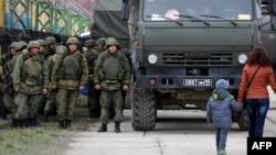 Україна - Російські війська у Феодосії, 2 березня 2014 року