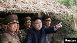 کیم جونگ اون،رهبر کره شمالی در میان نظامیان