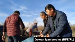 Dungan refugees from Kazakhstan who have fled the violence are receiving assistance on the Kyrgyz side of the border.