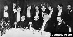 Марк Твен на обеде в честь Максима Горького.