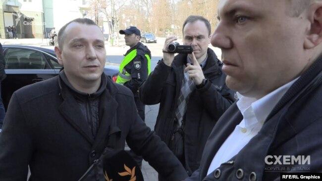 Перед прибуттям президента до журналістів підійшла охорона і попросила відійти далі