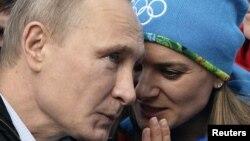 İki dəfə olimpiya çempionu Yelena Isinbayeva məhkəməyə müraciət edəcək
