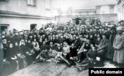 Birinci Qırımtatar Milliy Qurultayınıñ iştirakçileri