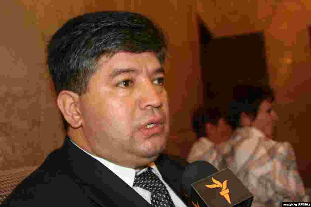 Равшан Сабиров, министр социального развития.