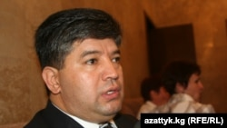 Kyrgyzstan suspended adoption proceedings last year after the former minister of social protection, Ravshan Sabirov, was convicted of accepting bribes in connection with arranging adoptions.
