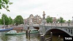 Amsterdam şəhəri, Böyük Kanal, 10 noyabr 2005
