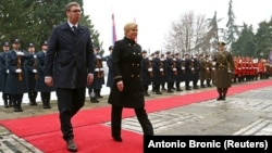 Претседателите на Србија и на Хрватска, Александар Вучиќ и Колинда Грабар-Китаровиќ
