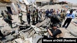 Сили безпеки Іраку на місці вибуху в Багдаді, 28 серпня 2017 року