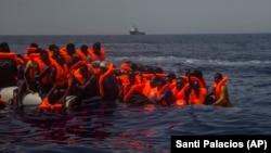 آرشیف، مهاجران در آبهای مدیترانه