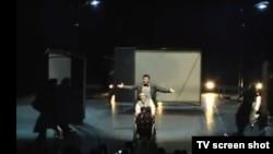 """Scenă din drama """"Oameni ai nimănui"""" de Dumitru Crudu, jucată în Italia"""