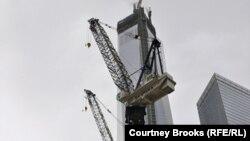 """""""Башня свободы"""", возводимая на месте крушения башен-близнецов Всемирного торгового центра. Нью-Йорк, 11 марта 2013 года."""