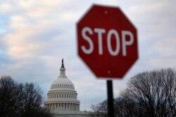 Сегодня в Америке: близкое поражение демократов