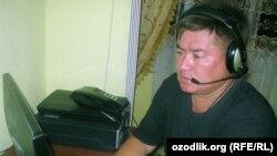 harakat.net веб-сайтының редакторы Абдурахмон Ташанов. Өзбекстан, 12 маусым 2012 жыл.